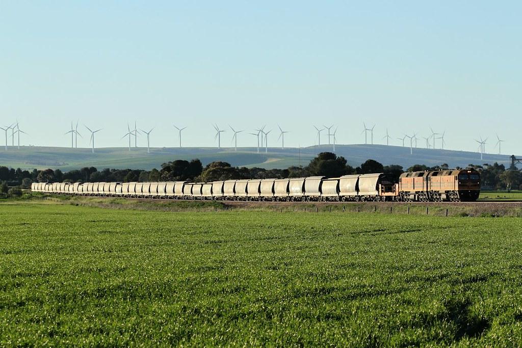 2216 2207 4172s Loaded GWA Snowtown grain Snowtown Loop 26 07 2014 by Daven Walters