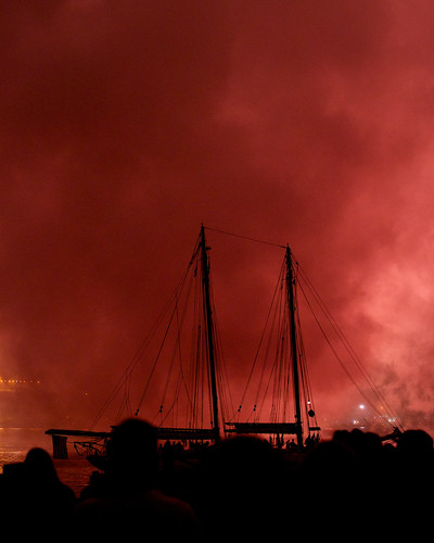 fireworks tallship newlondon masts thamesriver sailfest woodenship sailfest13 sailfest2013