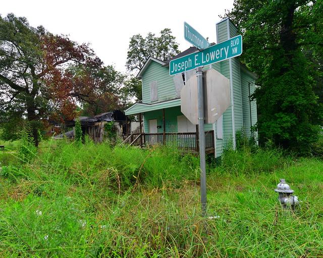 atlanta ghetto, hood, urban decay.