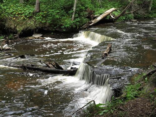 hiawathanationalforest deltacounty upperpeninsula michigan canongx1 haymeadowcreek haymeadowcreektrail haymeadowfalls streams waterfalls stream creek woods waterfall water