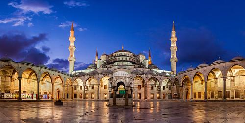morning light sunrise turkey dawn twilight arches courtyard istanbul mosque bluehour bluemosque minarets sultanahmet sultanahmetcamii sultanahmedmosque vaultedarcade