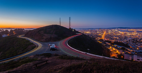 sanfrancisco california sunset twilight twinpeaks lighttrails