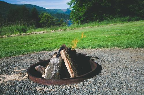 park wood travel camping lake water fire washington log nikon view hills campfire wa nikkor mossyrock d7000 nikond7000 mossyrocklake mossyrockstatepark 18105mmf3556gedafsvrdx