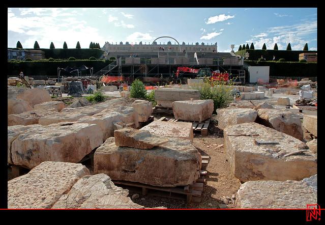 Les anciennes pierres prêtes à être remontées