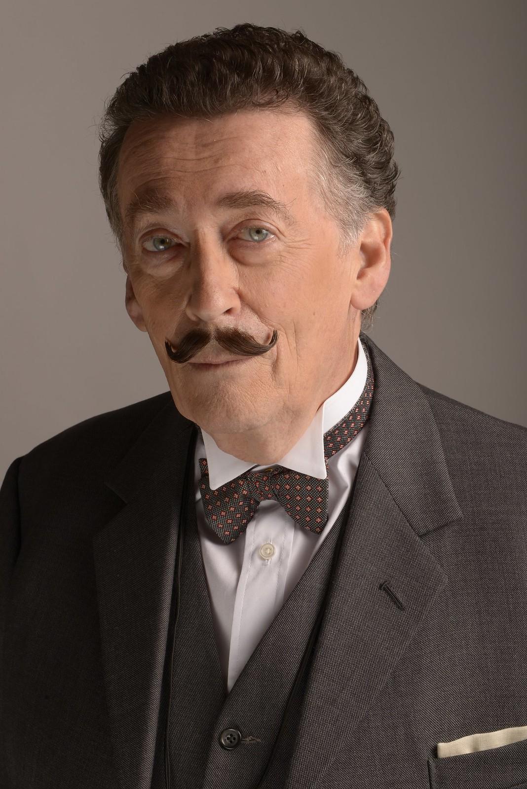 Robert Powell as Poirot in Black Coffee (2)