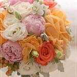 FB_OR002 粉紅大牡丹、珊瑚色玫瑰、橙繡球鮮花球