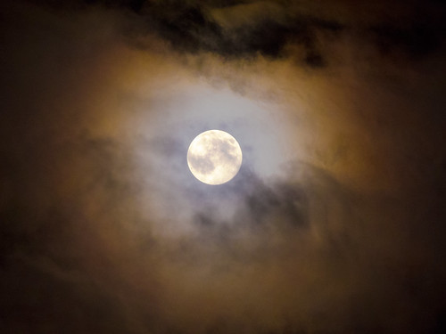 The moon 10-08-2014 | by Ana Sofia Guerreirinho