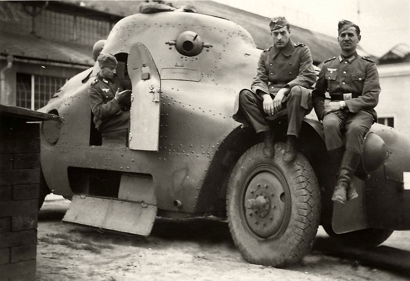 "Skoda Pa 2 ""zalva"" armored car"