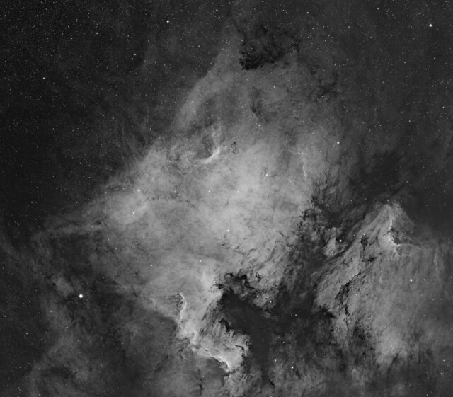 NGC7000 and IC5070 - The North American and Pelican nebula #Explored