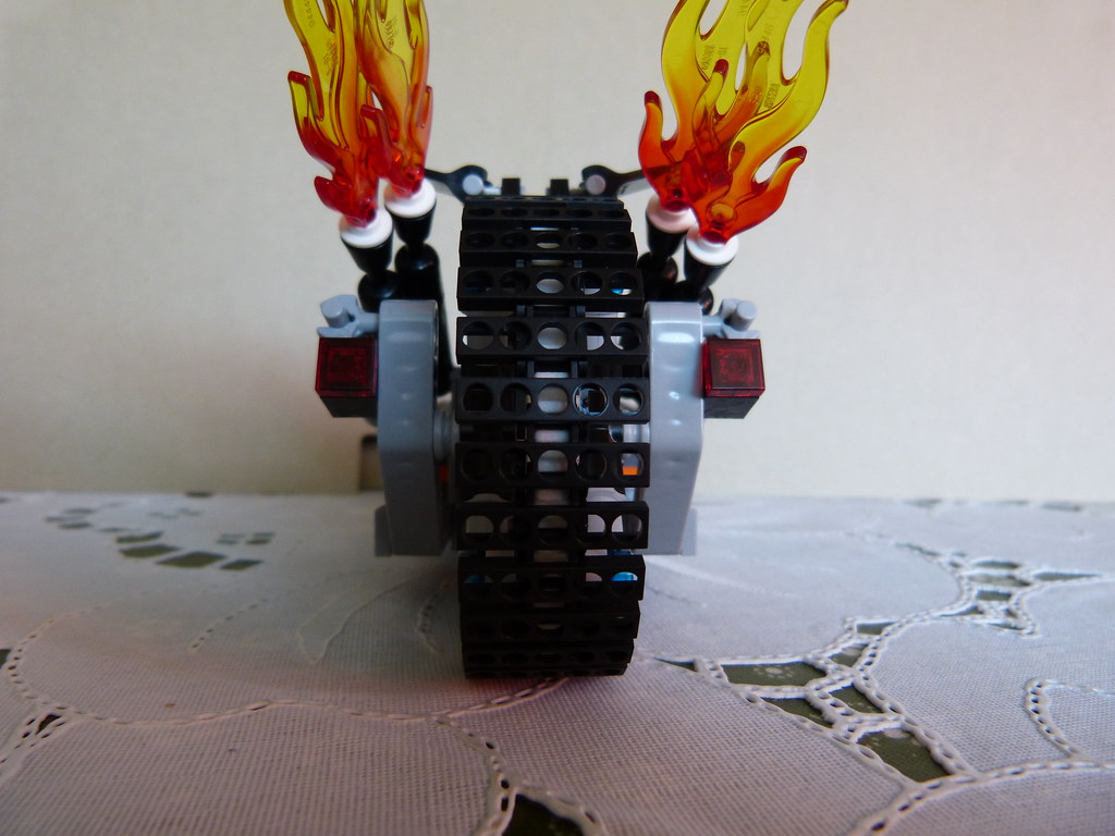 The Lego Movie - Wildstyles Movie dragster back | Hey Guys