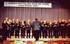 Erster Auftritt des von Helmut Meinhard gegründeten Männerchores beim Bundestreffen der Banater Chöre 1998 in Karlsruhe