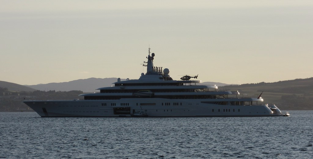 Yacht Eclipse With Helicopter Embarked Yacht Eclipse Own Flickr