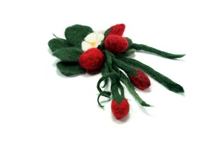 Strawberry Brooch Wool Felt Handmade Needle and Wet Felting | by Virtualdistortion
