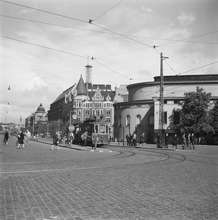 Swedish Theatre, Mannerheimintie, central Helsinki, 1946.