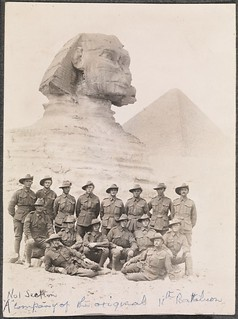Troops in front of the Sphinx, 1915