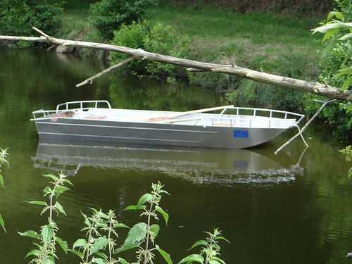Barque de pêche en alu