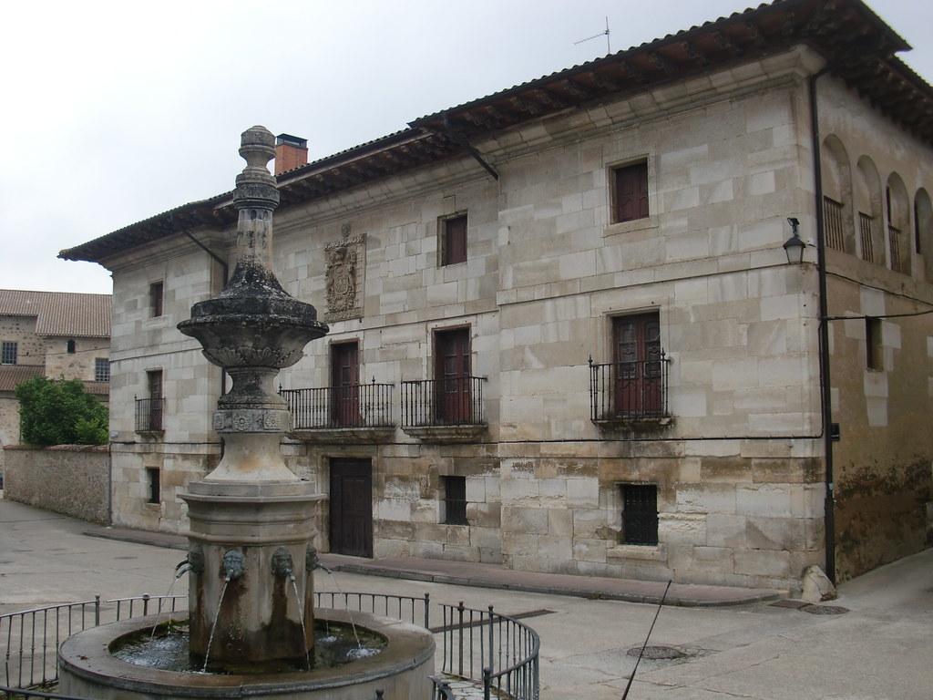 PALACIO Y FUENTE DE MAEZTU