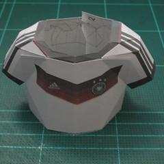 วิธีทำชุดนักบอลฟุตบอลโลก 2014 ทีมเยอร์มันสำหรับโมเดลหมีบราวน์ (FIFA World Cup  Soccer  Germany  Jersey Papercraft Model) 009