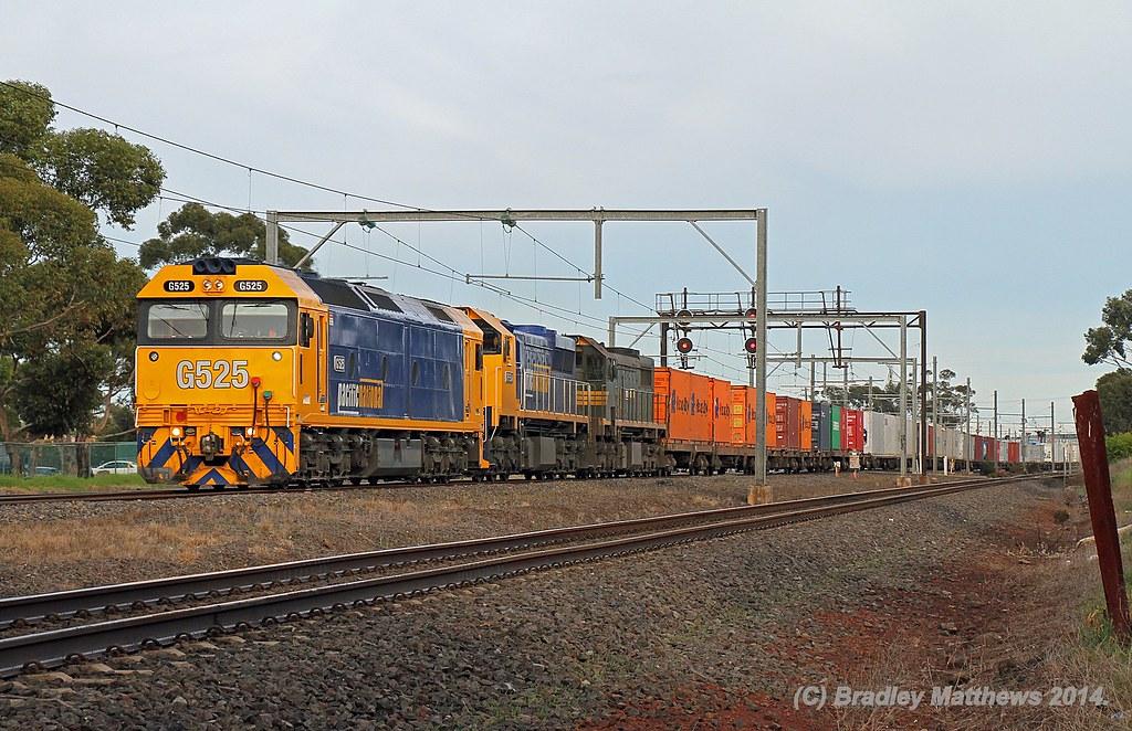 G525-XR554-X39 with 9102 up Mildura fruity train at Laverton (11/6/2014) by Bradley Matthews