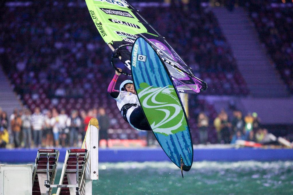 Windsurfing na Stadionie Narodowym / Windsurfing, National Stadium, Warsaw
