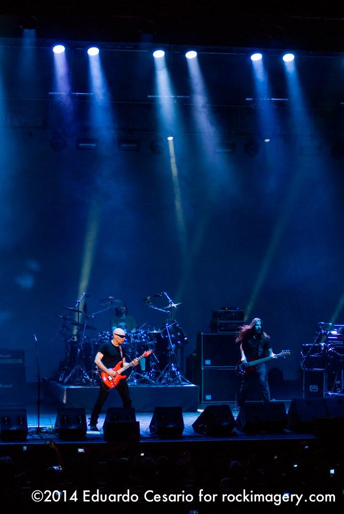 Joe Satriani / Unstoppable Momentum