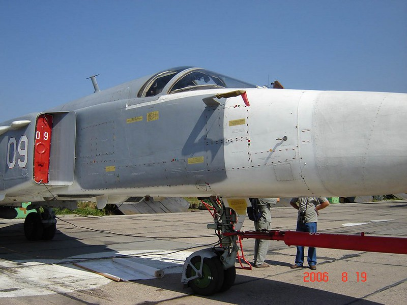 Sukhoi Su-24М Fencer 3