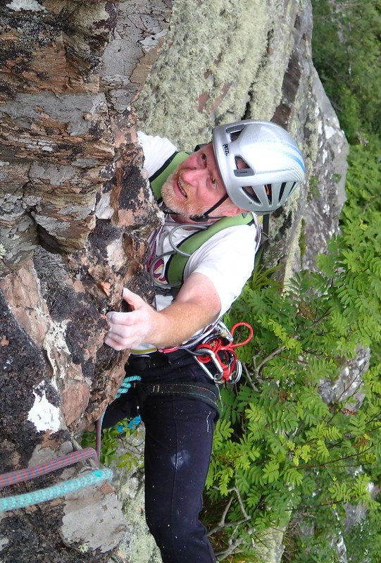2014/06/30 - 14:52 - Lead by Masa, belaying.