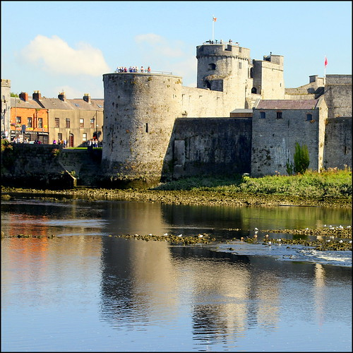 ireland reflection castle river shannon limerick fa cityofculture