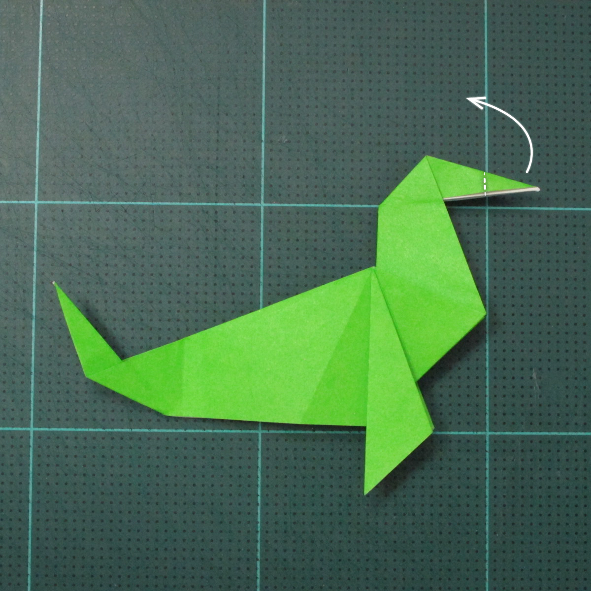 การพับกระดาษเป็นรูปแมวน้ำ (Origami Seal) 010