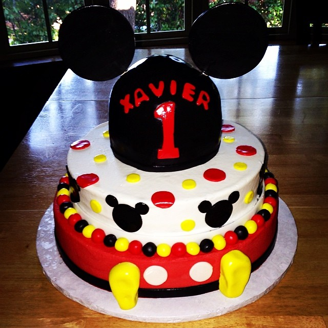 Astonishing Mickey Mouse 1St Birthday Cake Mickeymouse Disney Polka Flickr Personalised Birthday Cards Bromeletsinfo