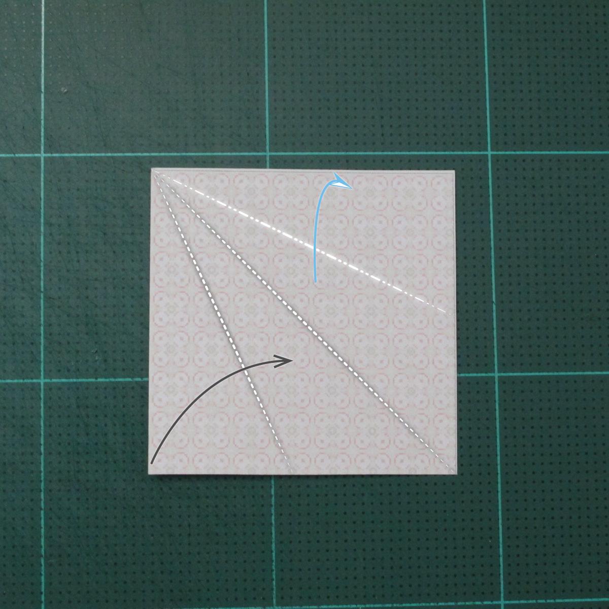 การพับกระดาษเป็นสัญลักษณ์ดาวแปดแฉกคู่ (Double Eight-Pointed Stars Origami) 001