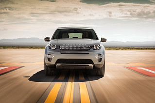 Land-Rover-Discovery-Sport-2014-32