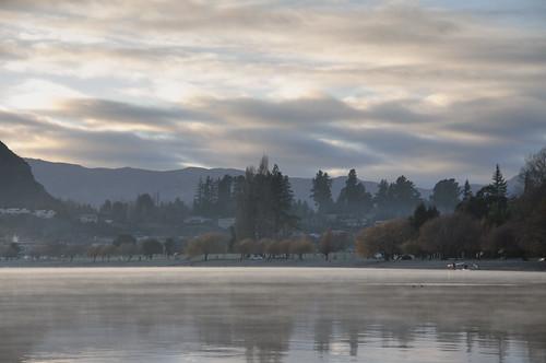 lake fog sunrise day cloudy calm wanaka myst