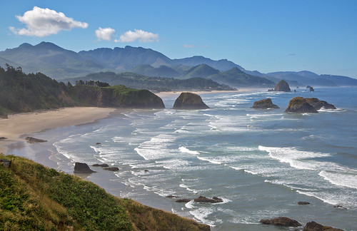 Ecola State Park, north of Cannon Beach, Oregon | by RalphArvesen