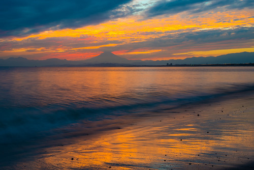20140920d011915 2014 crazyshin nikond610 distagont2825zf 江ノ島 富士山 夕景 柿の種 september autumn fuji order500 fuji2014select 15294550861 5338593 201907gettyuploadesp