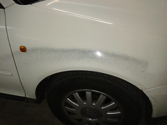 Eliminacion graffiti aleta derecha. Antes. Audi A3