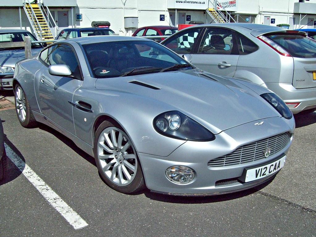 601 Aston Martin V12 Vanquish  1st Generation   2003