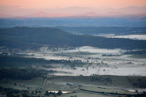 landscape dawn fog mist winter valley albertvalley sequeensland queensland australia australianlandscape australianweather earlymorning early morning morninglandscape countryside sunrise mounttamborine