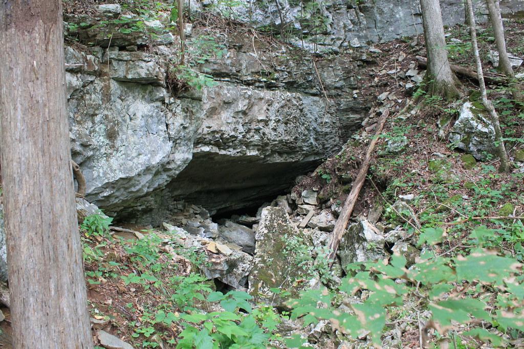 The Kids Cave - E2 AJK 2410
