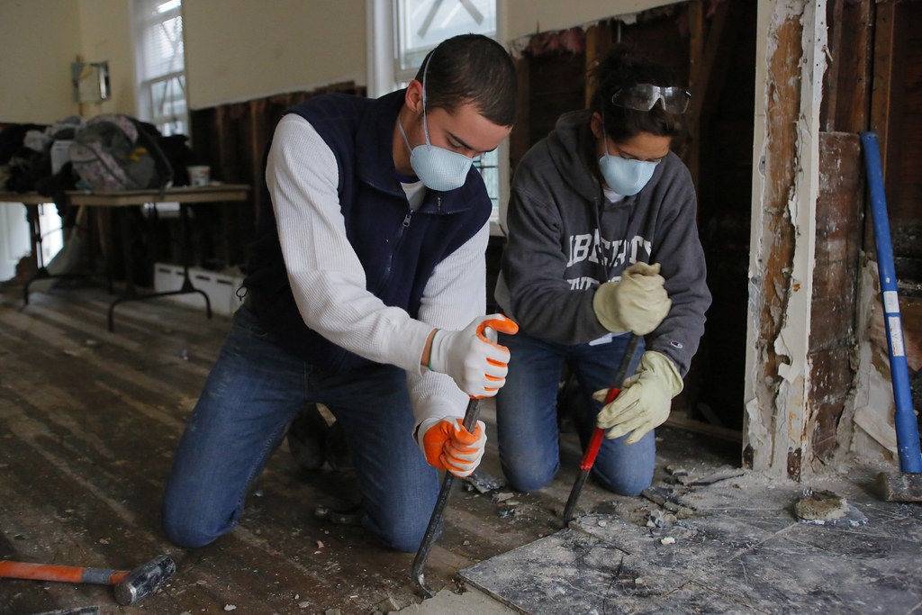 College students doing Disaster Relief for hurricane Sandy
