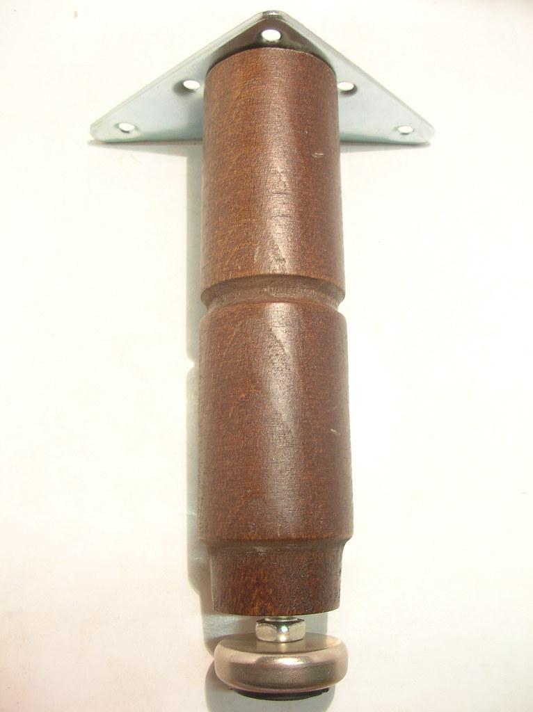 p 1bb5 008 piedino legno per mobili ferramenta fumagalli