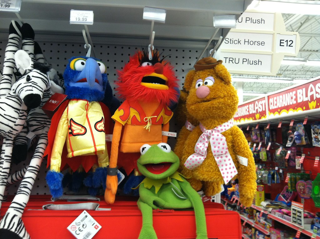 Muppet Puppets at Toys R Us | Muppet Most Wanted plush puppe