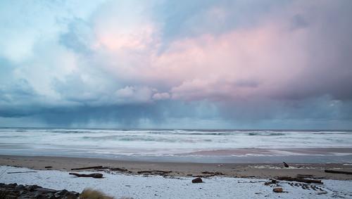sunrise hail storm oregoncoast beach landscape ocea pastelocean stormclouds horizon