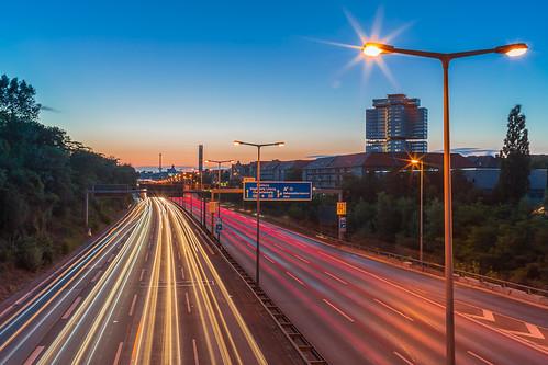 sunset berlin night canon germany deutschland highway sonnenuntergang traffic nacht stripes autobahn bluehour funkturm a100 2014 blauestunde canon5dmarkiii ef35f2isusm