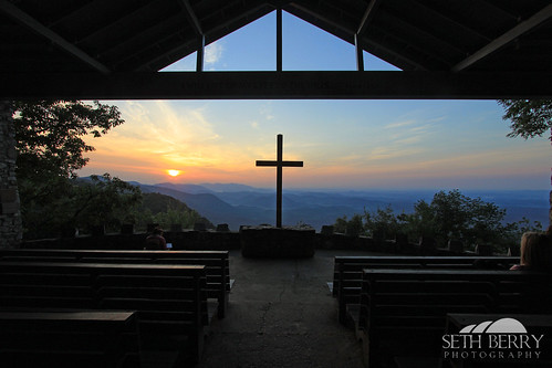 morning camp mountain sc church fog sunrise wooden pretty place cross outdoor south southcarolina chapel fred carolina ymca symmes prettyplace prettyplacechapel sethberryphotography fredsymmes