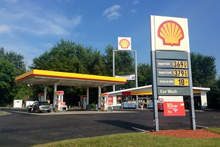 Shell Gas Station | by JeepersMedia
