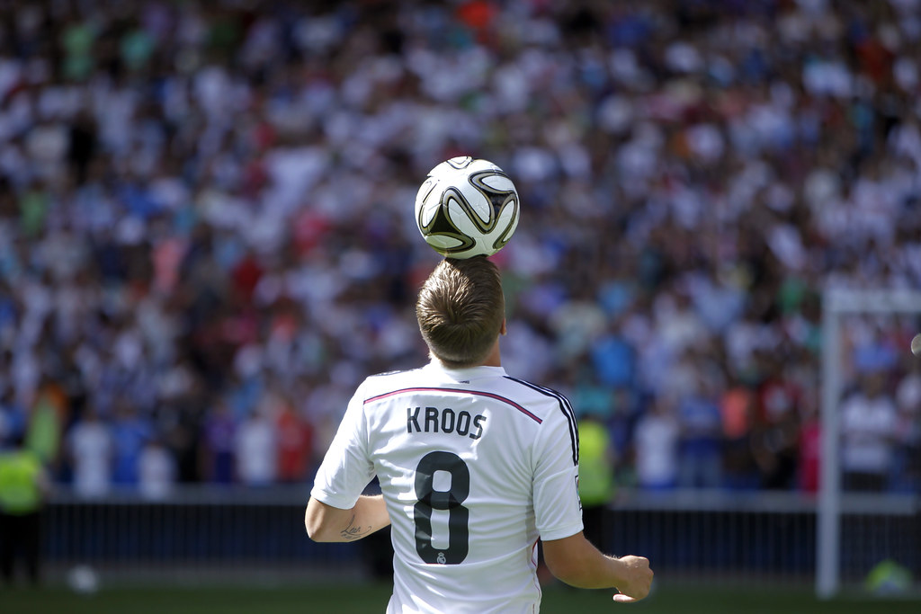 quality design f6f96 bdd6d The German Toni Kroos will wear the number 8 jersey of Rea ...