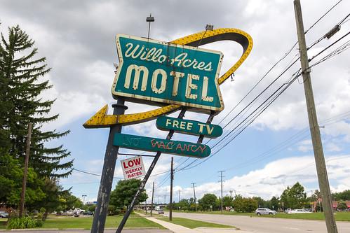 usa broken sign neon unitedstates michigan rusty motel canton sheldon
