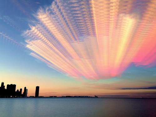 sunset chicago skyline timelapse blended navypier stacked chicagoskyline cloudtrails iphone5 iphoneography ilapse timestack mobiography