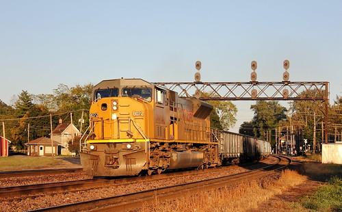 railroad up train illinois unionpacific westchicago freight emd 8072 searchlightsignal genevasub cnwsignal osoxc up8072